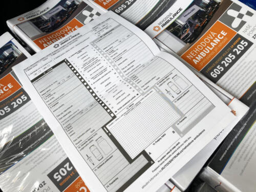 """Speciální tiskovina """"Nehodové Ambulance"""" - Leták A4 na A5 obsahující vlepené strany samopropisu k soupisu informací k dopravní nehodě  pro Autocentrum BARTH a.s."""